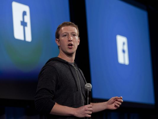 """Zuckerberg Vows To Weed Out """"Fake News"""" From Facebook"""