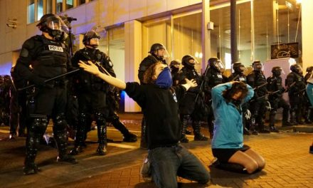 Anarchists lead violent protests against President Trump