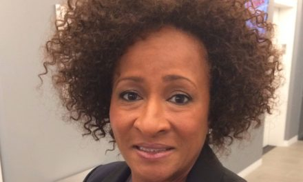 COMEDIAN WANDA SYKES BOOED AFTER INSULTING TRUMP