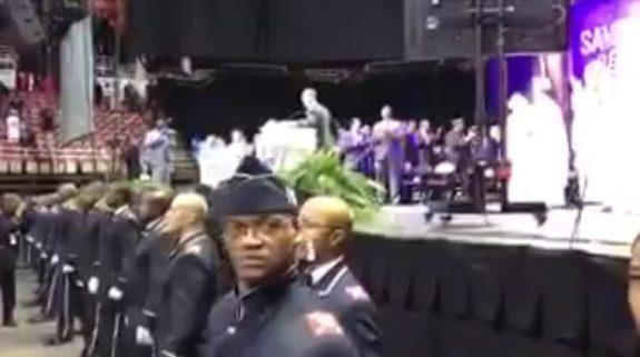 Muslims Chant 'Allahu Akbar' At Farrakhan Speech In Detroit (VIDEO)