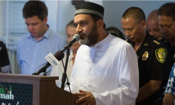 Imam With Muslim Brotherhood Ties is Main Plaintiff in Hawaii Case Blocking Trump Travel Ban
