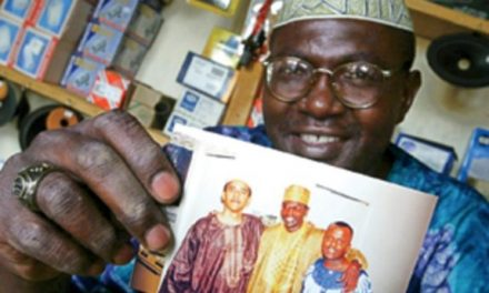 Malik Obama Tweets Alleged Barack Obama Birth Certificate in Kenya