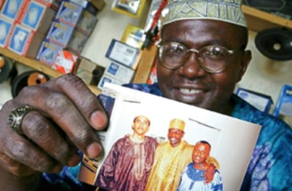 Malik Obama Tweets Alleged Barack Obama Birth Certificate in Kenya