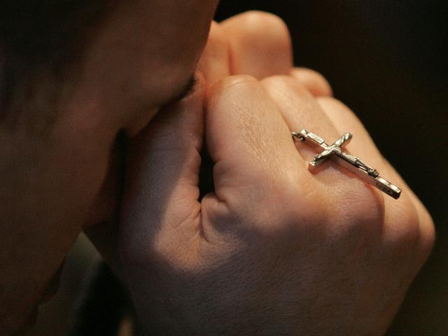 Australian Wearing Cross Beaten By Muslim Gang Shouting 'F*** Jesus!'