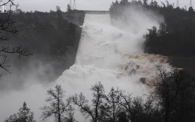 Oroville Dam documents kept secret by state, federal officials