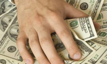 Rich Retirees Hoarding Cash Out of Fear…