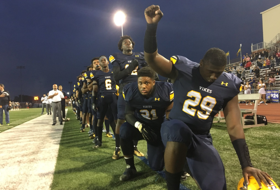 Texas High School Football Team Kneels for National Anthem – Raises Black Power Fist