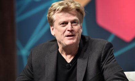 OVERSTOCK CEO resigns because of FBI scandal and is literally blowing the lid on Clinton/Obama admin Russia investigation!!