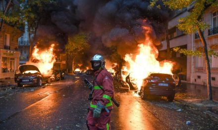 #Breaking: Just in – Reports of dozens of cars has been set on fire in #Paris in #France, ahead 1 hour of the new year's eve celebrations…