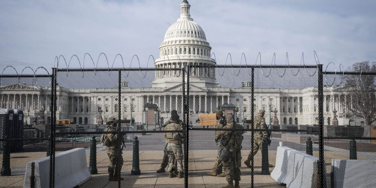Who has the Contract on the Fence around DC and when was it ordered?