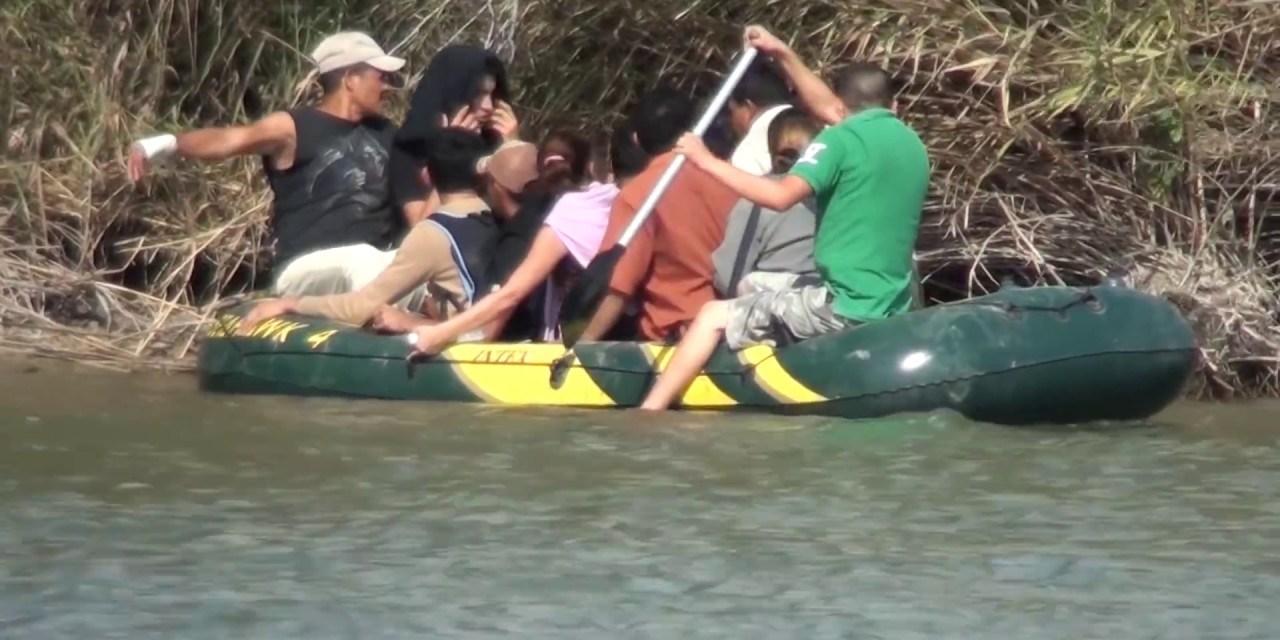 WATCH: Brazen Smuggler Illegally Ferries Huge Line Of People Across Rio Grande – Joe Biden policy encourages HUMANITARIAN CRISIS on border.